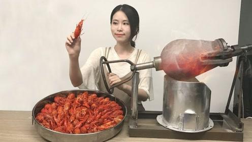 """美女小龙虾被偷吃,用""""龙虾钳""""制作指压板,男同胞纷纷中招!"""