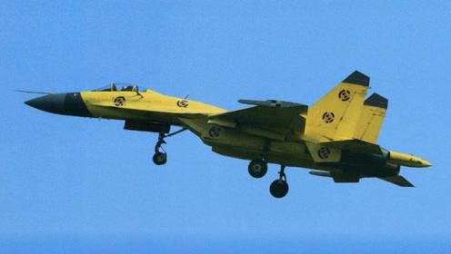 封面终于吃透苏35技术?该特殊战机再次出现在人们视野,量产即将邻近