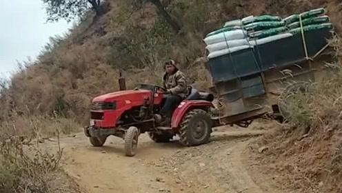 拖拉机师傅的拐弯技巧,看完很是让人佩服,真的是高手在民间啊!