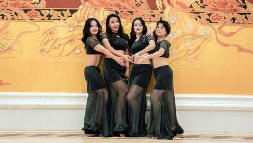 爱了爱了!风情比利东方舞,女子身材比后面壁画更美!