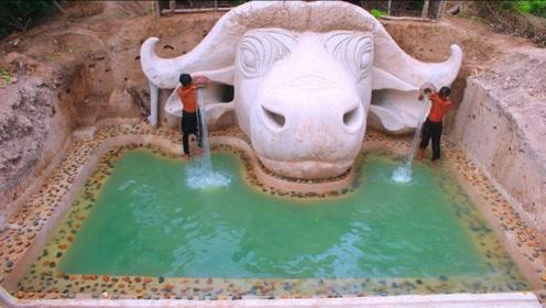 """野外求生:兄弟二人建造""""牛头""""泳池,看到成品后差点亮瞎眼!"""