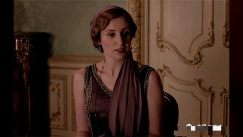 《唐顿庄园》二小姐,全剧穿衣最会遮缺点的人