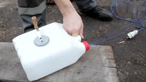 这种塑料桶有何用?小伙拿回家这样变废为宝,超实用的发明!