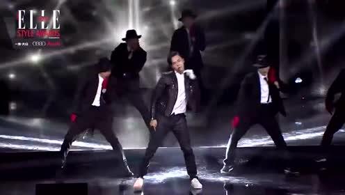 陈伟霆热舞致敬MJ 有颜有腿霸气舞蹈酷到窒息