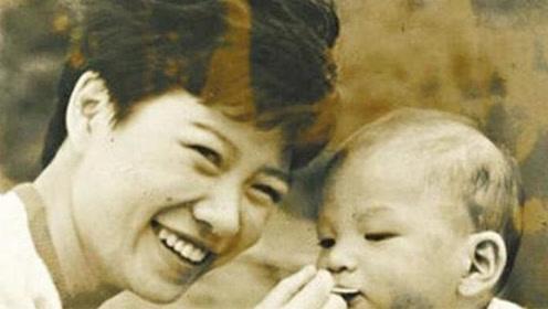 《我的前半生》作者亦舒 19岁未婚生子被儿子找四十年却避而不见