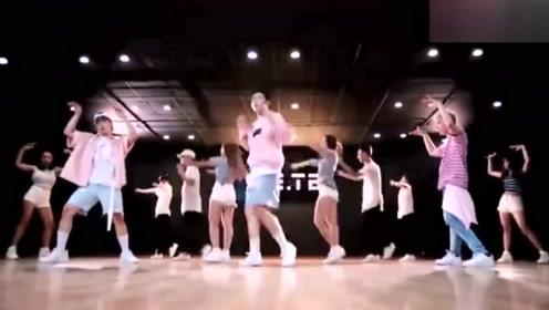 ST319团体舞来了,《TURN IT UP》练习室镜面版,舞力超群