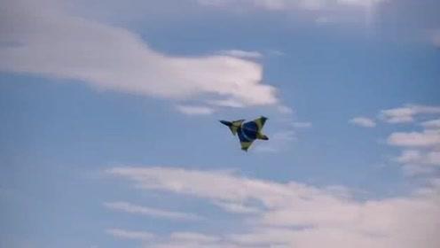 巨型喷气式遥控战斗机,空中瞬间解体碎成渣渣