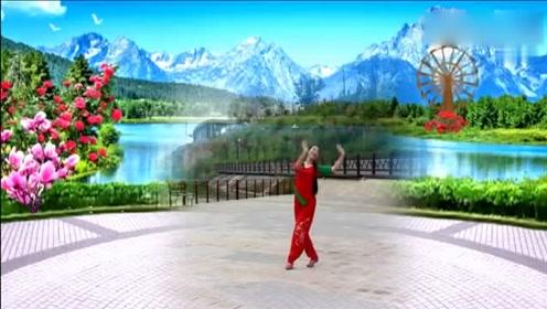 学会这支优美的舞蹈在广场上又是一道靓丽的风景