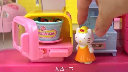 洋娃娃带着宝宝来到了hallo  kitty屋,快来看看里面有什么呀!