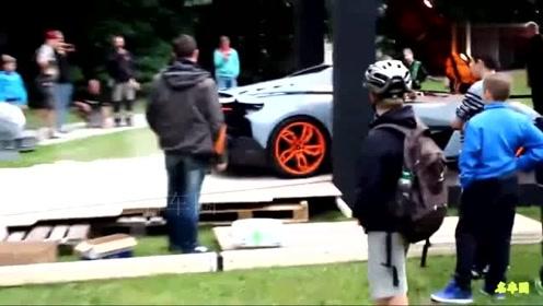 价值1.5亿的兰博基尼跑车,倒车的时候我都紧张了!