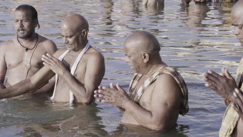 水面之上是圣河,水面之下是冥河,游个泳就能死去活来