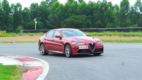 尾速超过210km/h Giulia 四叶草 赛道刷圈