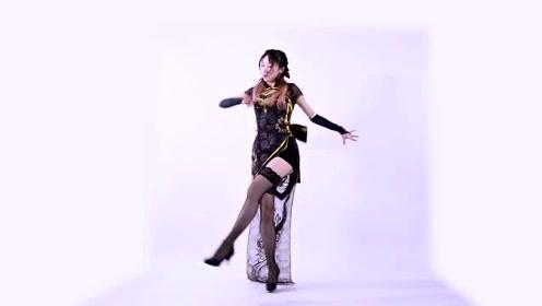 长腿小姐姐穿黑丝翻跳《桃源恋歌》,高挑的身材跳动起来真漂亮