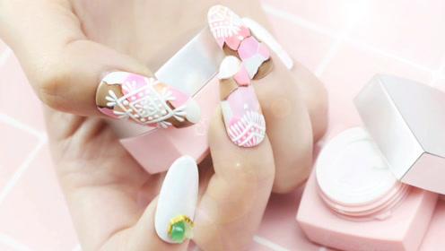 get粉嫩草莓巧克力美甲 让你的指尖甜蜜一冬