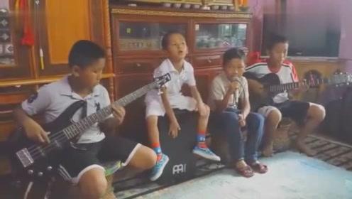 10后逆天啦,四个小学生的随意表演,居然这么好听?太难以置信!