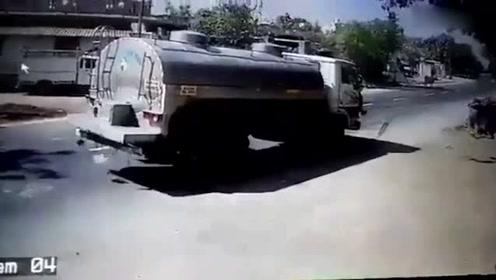 开挂!司机撞上牛的瞬间刹车 罐车原地360度掉头稳停