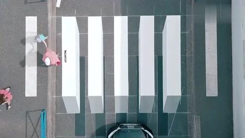 奇葩斑马线!老外设计3D立体斑马线,人就像走在空中一样