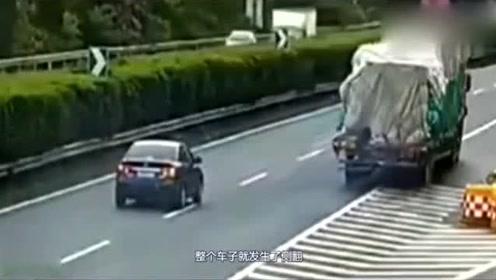 高速上轿车停车倒车,货车没反应过来一脚油门撞上,拍下全程