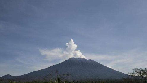 巴厘岛阿贡火山再喷发!机场航空预警到最高级