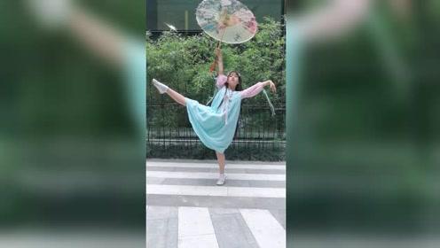汉服小仙女舞起来