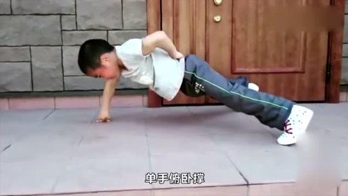 世界上最能打的小孩,中国日本各占一个,打起来谁能赢?