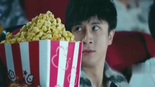 少年时代:薛之谦告诉你,自己买的超大爆米花含泪也要吃完!