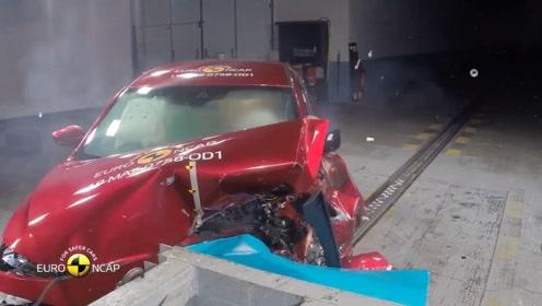 2019款马自达3欧洲NCAP安全碰撞实拍