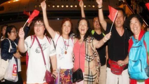 大批日籍华人掀起回国潮,却遭到海关扣留,网友:你想回就能回?