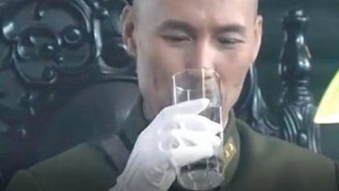 蒋介石为何茶酒不沾,只饮白开水?全是为了给她赎罪!