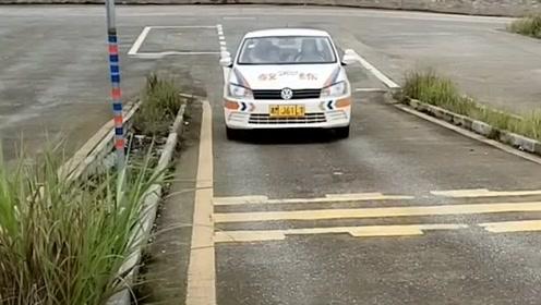 半坡科二停车看点的位置