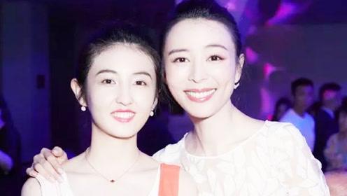 张子枫晒与张静初旧合照,不少明星多年前跟童星的合照竟没怎么变