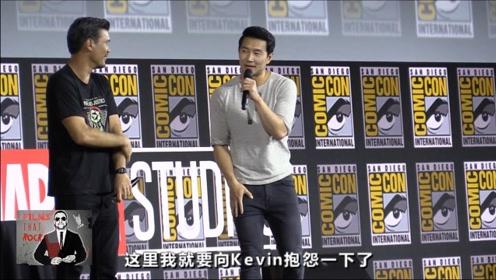 """漫威首位华裔英雄""""尚气""""刘思慕亮相漫展,并用中文介绍自己"""
