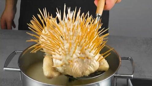 鸡被扎满牙签,为博眼球,做美食都这么拼了吗?