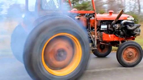 老外给拖拉机装沃尔沃发动机,一加油门玩脱了,这多少地耕不完?