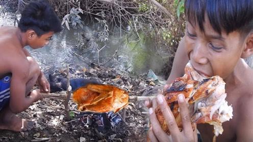 田园美食:小屁孩这次户外制作烧鸡,直接抱着啃,吃的太香了
