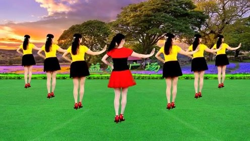 广场舞《牛什么牛》歌曲节奏感强,舞蹈动作简单又活泼