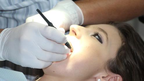 """保护牙齿""""两做、一不做""""!老了还有一口好牙"""