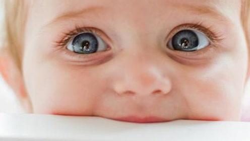 宝宝眼睛水汪汪萌化人心,如果整天泪汪汪当心有问题