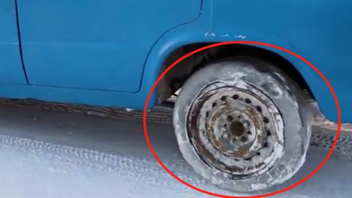 老外脑洞大开,用冰块代替轮胎,踩下油门的瞬间震撼的开始!