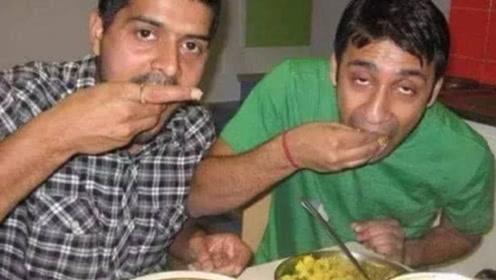 印度游客来中国游玩,吃饭时非要用手,结果等上菜时尴尬了!