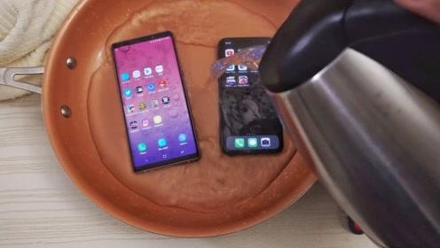 老外做三星和苹果手机耐热性测试,往上面倒开水,谁更厉害?