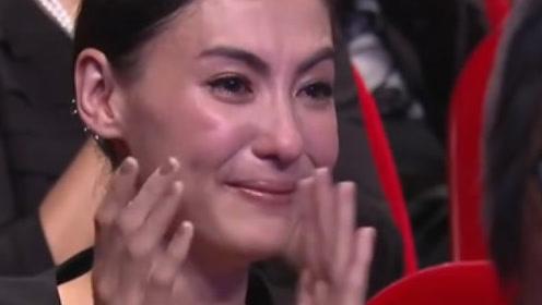 张柏芝带孩子看演唱会,听到她对谢霆锋的称呼后,粉丝潸然泪下