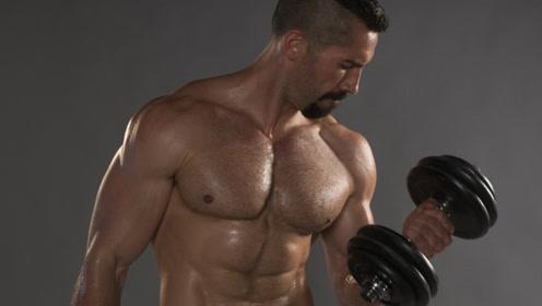 与杰森比肩的英国男神!在健身房撸铁打造极品身材,这腹肌我爱了