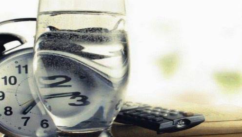 隔夜水不会致癌,医生提醒:真正会致癌的是这种水,可不能再喝了