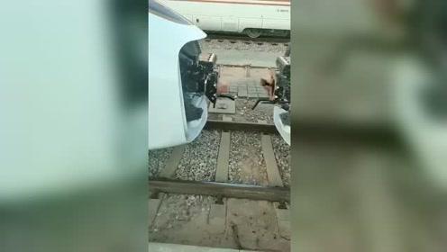 高铁是这样连接的高科技就是牛