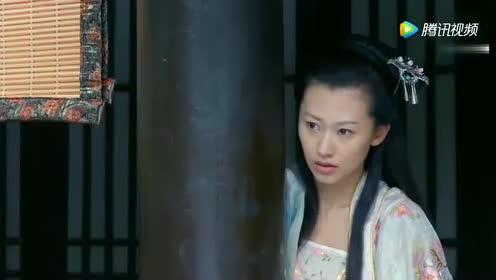废妃被贬入寺庙!但她看见里面和尚的这一举动!瞬间受惊!