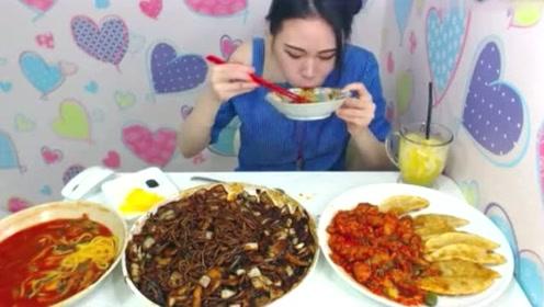 大胃王吃炸酱面和海鲜面,一个人吃了三大盘,厉害!