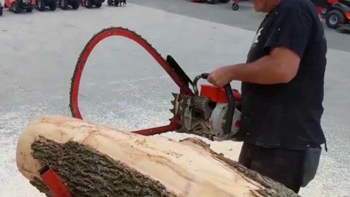 老外发明锯木机,效率惊人还不会卡死,场面瞬间失控!