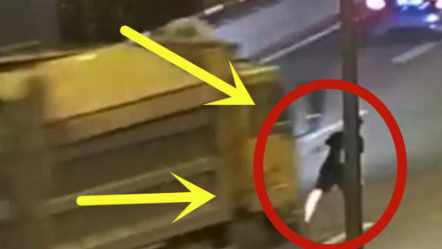 情侣开车吵架,男友一气之下脚刹强行下车,结果被身后货车撞晕
