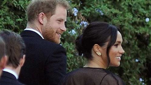 作秀?梅根高级晚礼服配5英镑耳环,被英国网友嘲